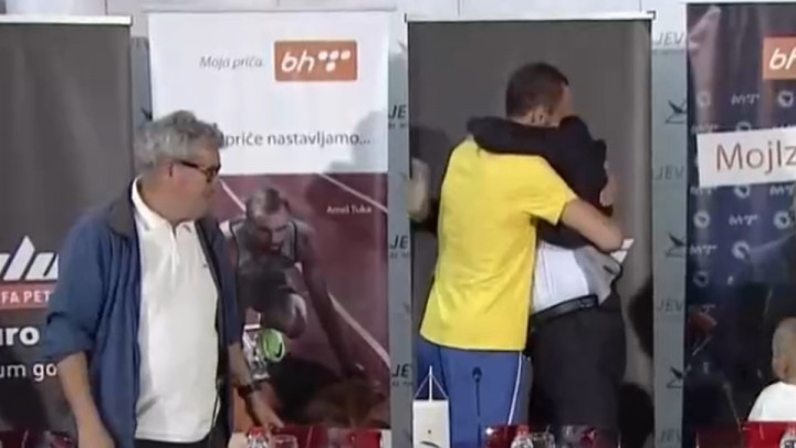Dobro došao kući, šampione: Amel Tuka je stigao!