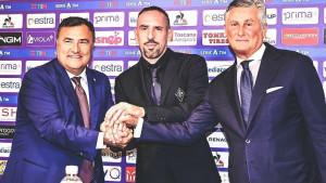 Novinari Riberyja smatraju velikom zvijezdom kao što je Ronaldo, ali on im je gospodski odgovorio