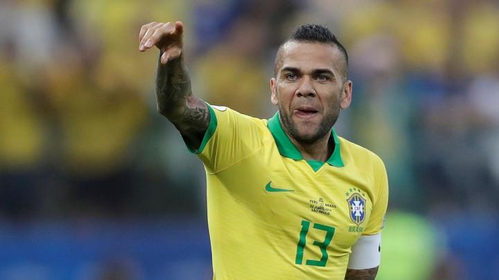 """Alves priznao da se mogao vratiti u Barcelonu: """"Želio sam to, ali sam onda počeo razmišljati..."""""""