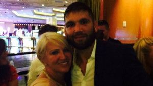 Brutalni Stephens pozvao majku Conora McGregora na spoj