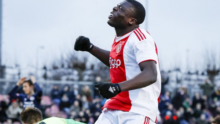 On je nova buduća zvijezda Ajaxa! Ima samo 17 godina i ove sezone je postigao čak 32 gola