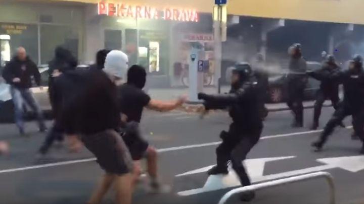 Žestok okršaj navijača Maribora i policije