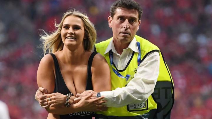 UEFA novčano kaznila Kinsey Wolanski zbog utrčavanja na teren