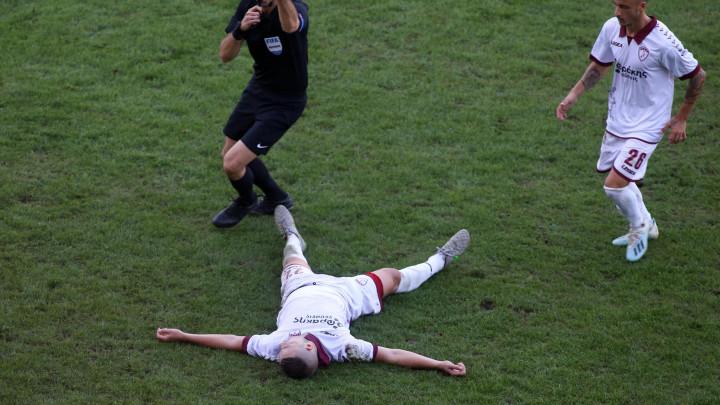 Stadion je zanijemio: Šećerović u besvjesnom stanju izazvao paniku na terenu