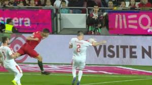 Sudija svirao penal, pomoćnik intervenisao: Da je VAR-a Srbija bi možda izgubila...