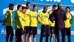 Sukob u svlačionici Barce je davno počeo, poznato koji igrač se žalio na Messija i Suareza