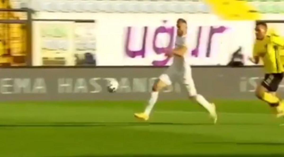 Hadžić zabio dva gola, a onda se na Instagramu zahvaljivao Vršajeviću