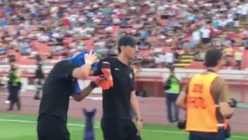 Delije priredile pakao omraženom golmanu Partizana