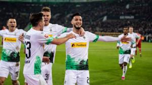 M'gladbach golom iz penala u 92. minuti nanio Bayernu drugi poraz zaredom, Dortmund razbio Fortunu