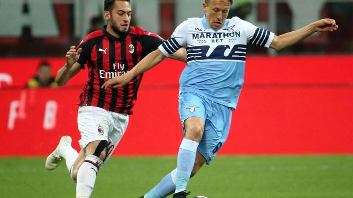 Calhanoglu ima dvije ponude iz Engleske, da li će napustiti Milan?