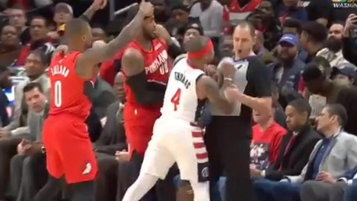 Najbizarnije isključenje u NBA ligi: Thomas nije mogao izbjeći sudiju