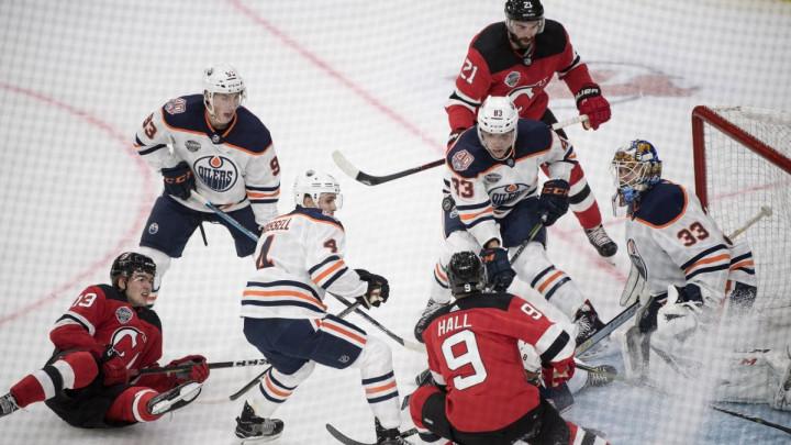 NHL dijeli ligu na dvije grupe, igrat će se u dva grada