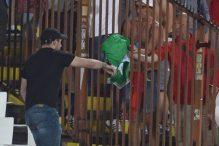 Jedan navijač Srbije je donekle smanjio bruku protiv Velsa