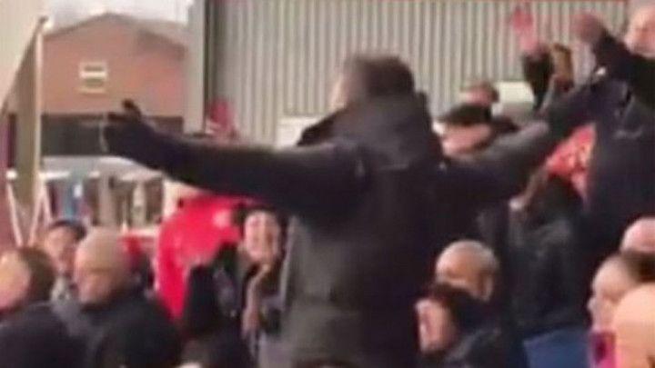 Carrick vodio navijanje navijača Manchester Uniteda