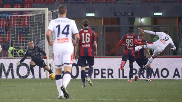 Mihajlović u nevjerici gledao šta njegovi fudbaleri rade na terenu