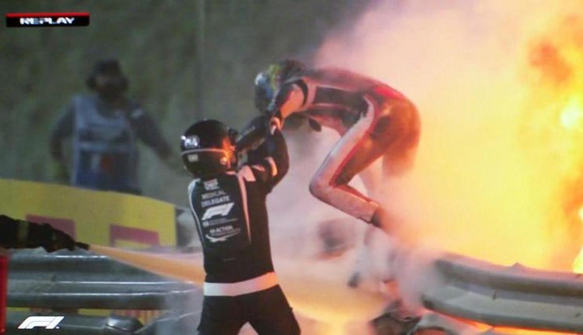 Skinuo zavoje: Grosjean pokazao kako mu izgledaju ruke nakon stravične nesreće