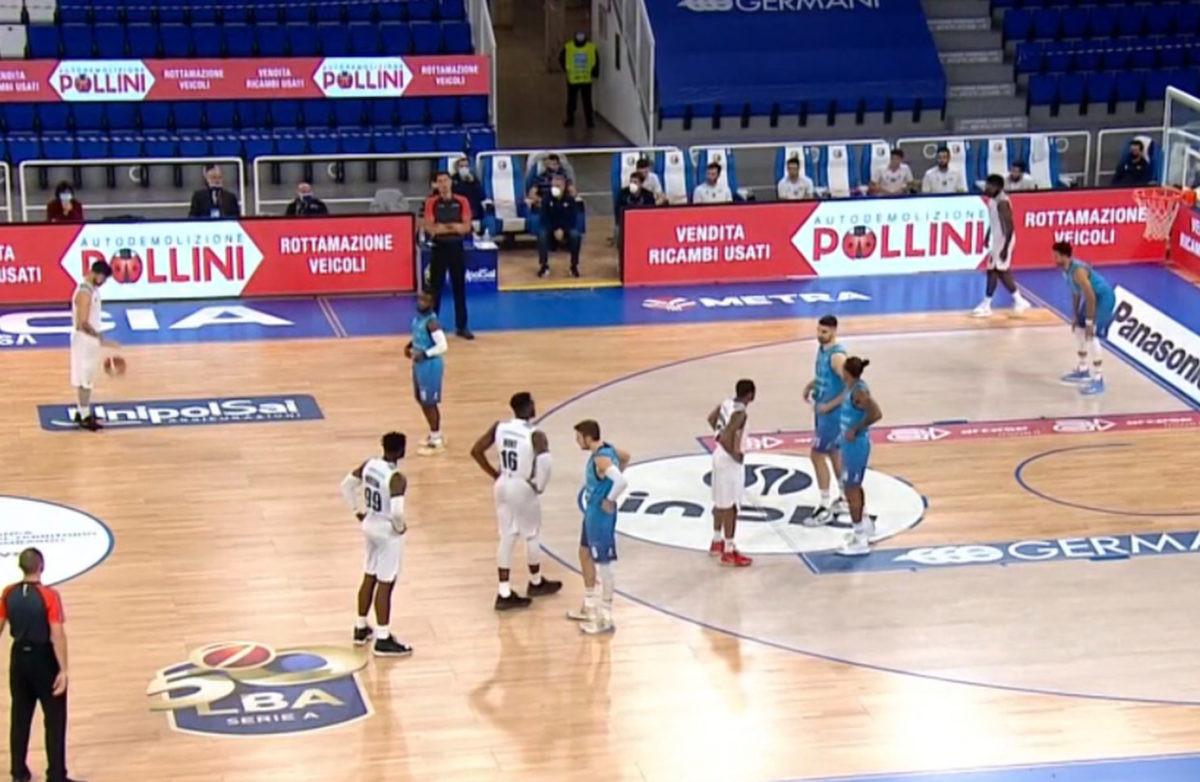 Košarkaši Virtusa odbili da igraju na početku meča jer nisu još dobili prvu platu ove sezone