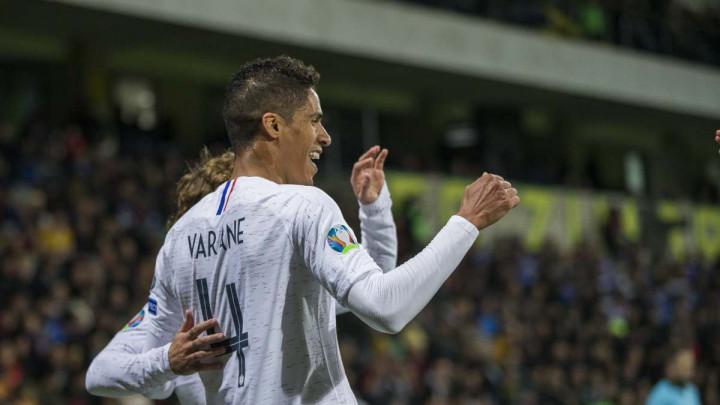 Varane demantovao glasine: Ostajem u Realu