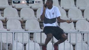 Nestvarna scena u Beogradu: Napadač Partizana pričao na telefon usred utakmice