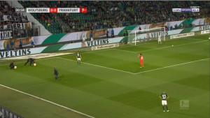 Utakmica u Wolfsburgu je prekinuta u prvoj minuti iz dobro poznatog razloga