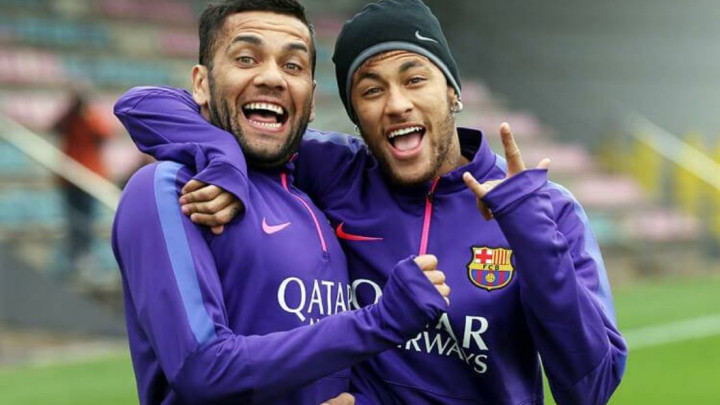 Dani Alves: Samo je pitanje vremena kada će se Neymar vratiti u Barcelonu