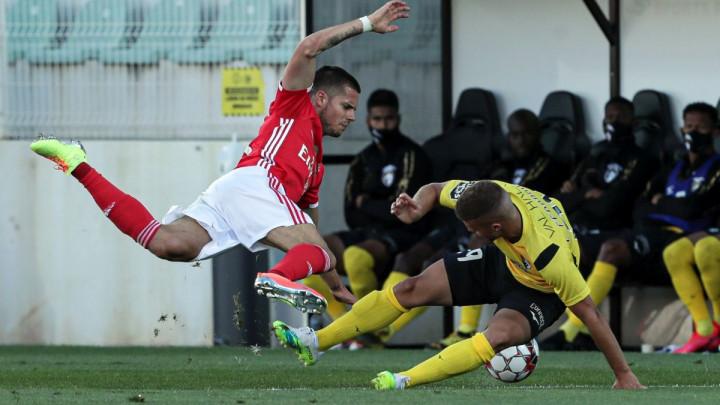 Kao da ih je neko prokleo: Benfica ponovo šokirala svoje navijače!