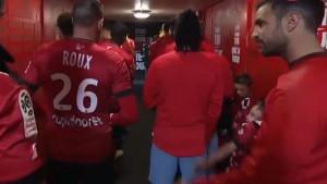 Igrač Guingampa ignorisao dječaka u tunelu, a onda je stvar u svoje ruke uzeo Cesc Fabregas