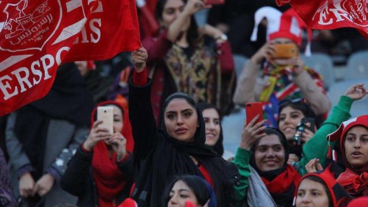 FIFA šalje posljednje upozorenje: Pustite žene na stadion ili ćemo vas izbaciti!