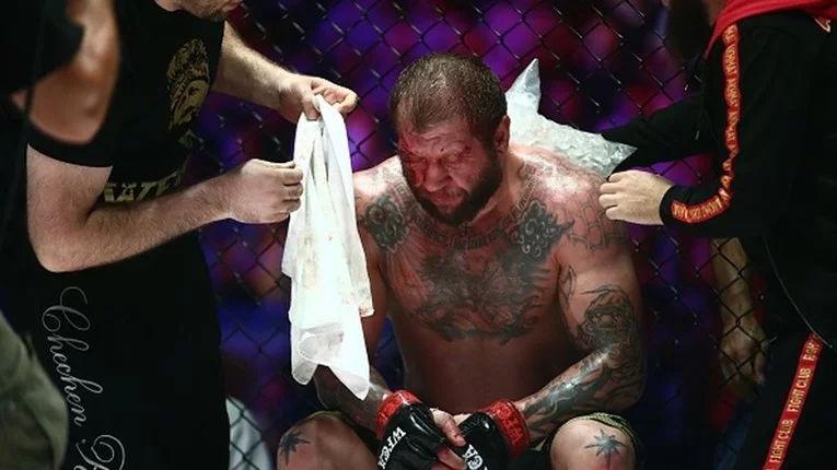 UFC borac pijan bježao od policije i skrivio dvije saobraćajne nesreće