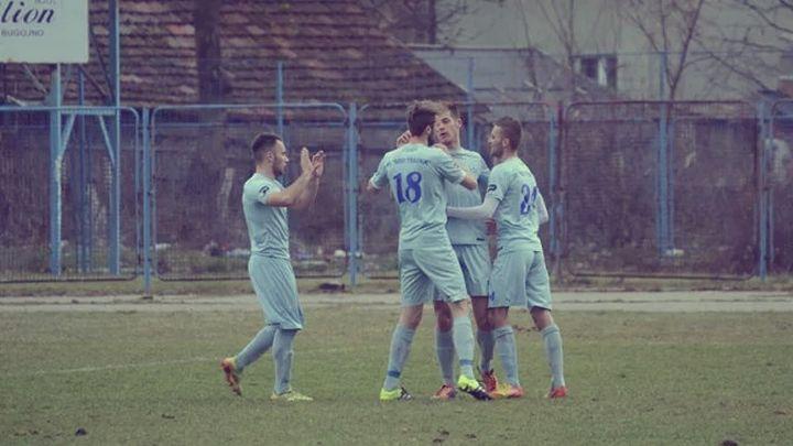 Fudbaler Novog Travnika zaradio crveni karton i lom noge