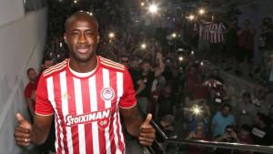 Yaya Toure predstavljen u Olympiakosu, navijači ga dočekali kao kralja
