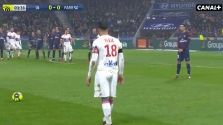 Juninho, jesi li to ti? Spektakularan gol Fekira iz slobodnjaka!