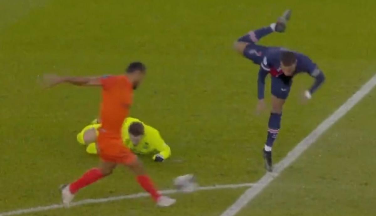 Brutalan start golmana Montpelliera nad Mbappeom