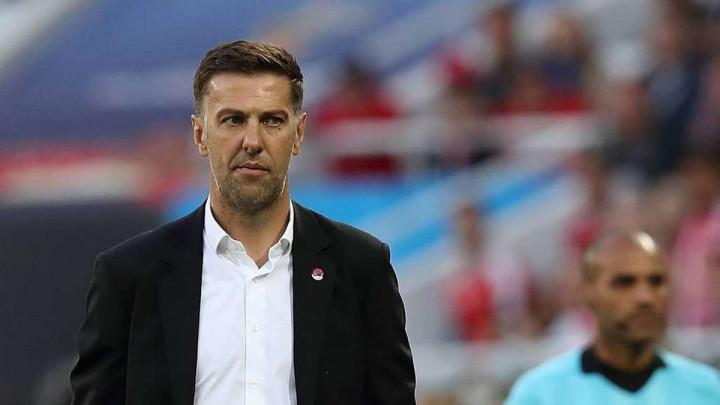 U Fulhamu bijesni na Mladena Krstajića pred utakmicu sezone