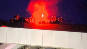 Niko nije mogao zaustaviti navijače da uđu na stadion