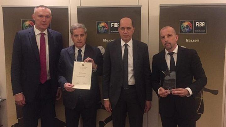 FIBA uručila zlatnu plaketu Košarkaškom savezu BiH