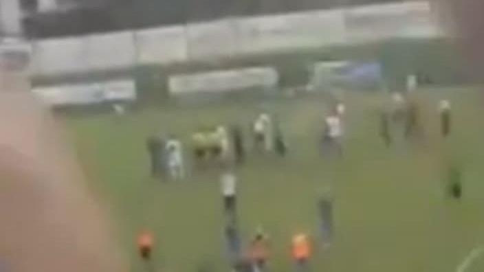 Dugo će se pričati o utakmici u Tešnju: Navijači trećeg kluba navijali za NK Travnik