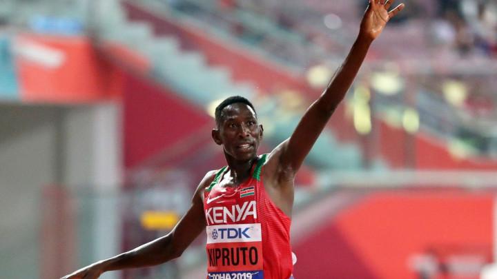 Conseslus Kipruto u nestvarnoj trci odbranio naslov prvaka svijeta