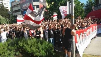 Navijači Zrinjskog u korteu krenuli na stadion