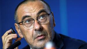 Sarri će izborom startnih 11 za večeras opet naljutiti navijače Juventusa
