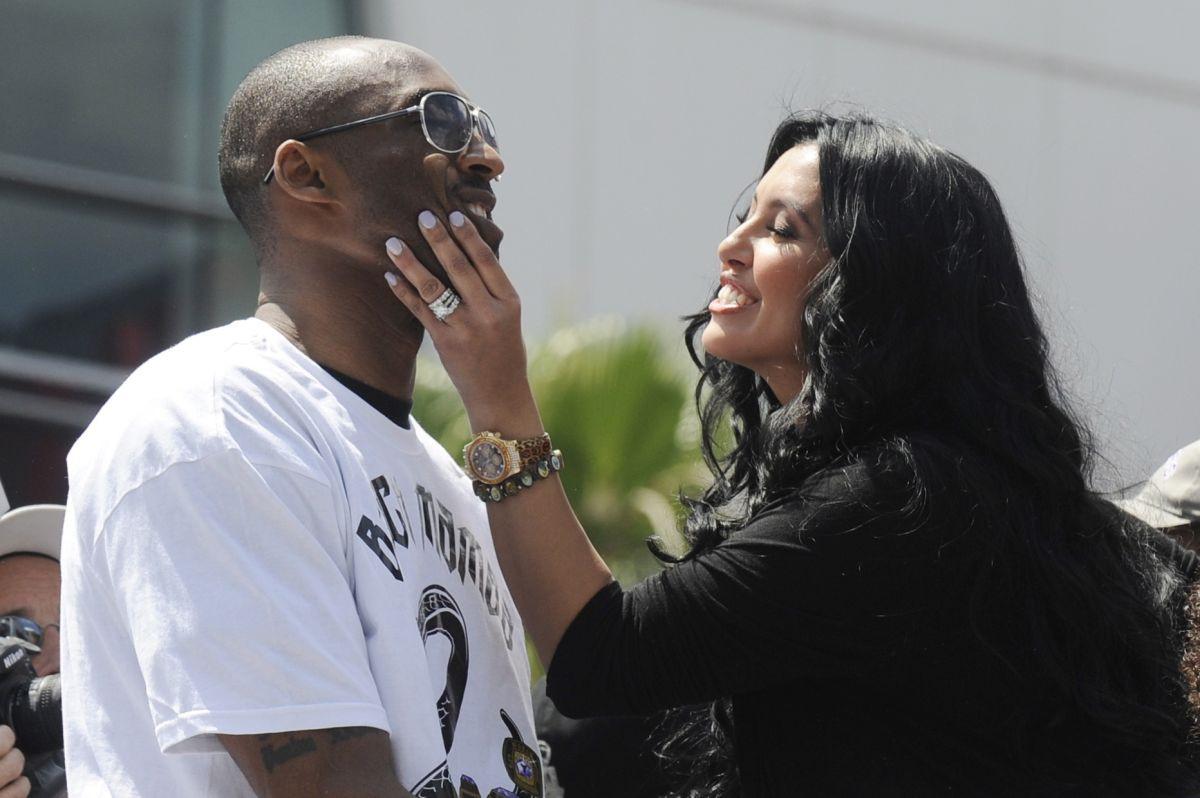 Supruga Kobeja Bryanta ne može da progovori nakon užasnog gubitka muža i kćerke