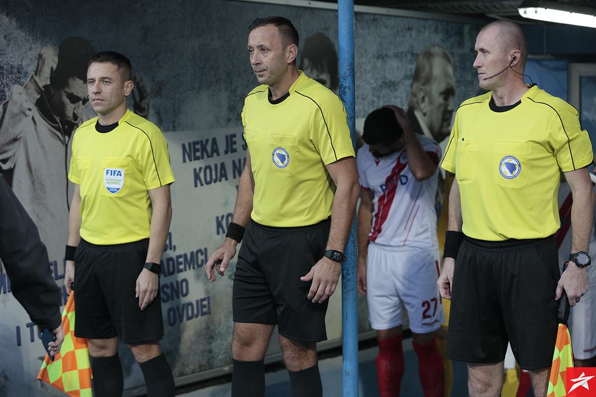 Elvis Mujić treći put sudi derbi Sarajeva i Borca, kako su prošla prethodna dva?