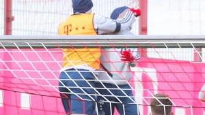 Boateng na treningu Bayerna ošamario Goretzku