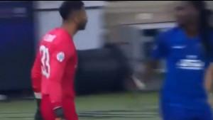 Golman krenuo da se obračuna s Gomisom, ali ga je potez nekadašnjeg igrača Lyona potpuno iznenadio