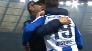 Dok su navijači aplaudirali Ibiševiću, trener Herthe otišao korak dalje