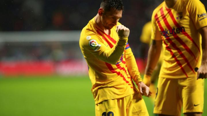 Messi slavio gol, a navijač Atletico Madrida ga gađao kišobranom