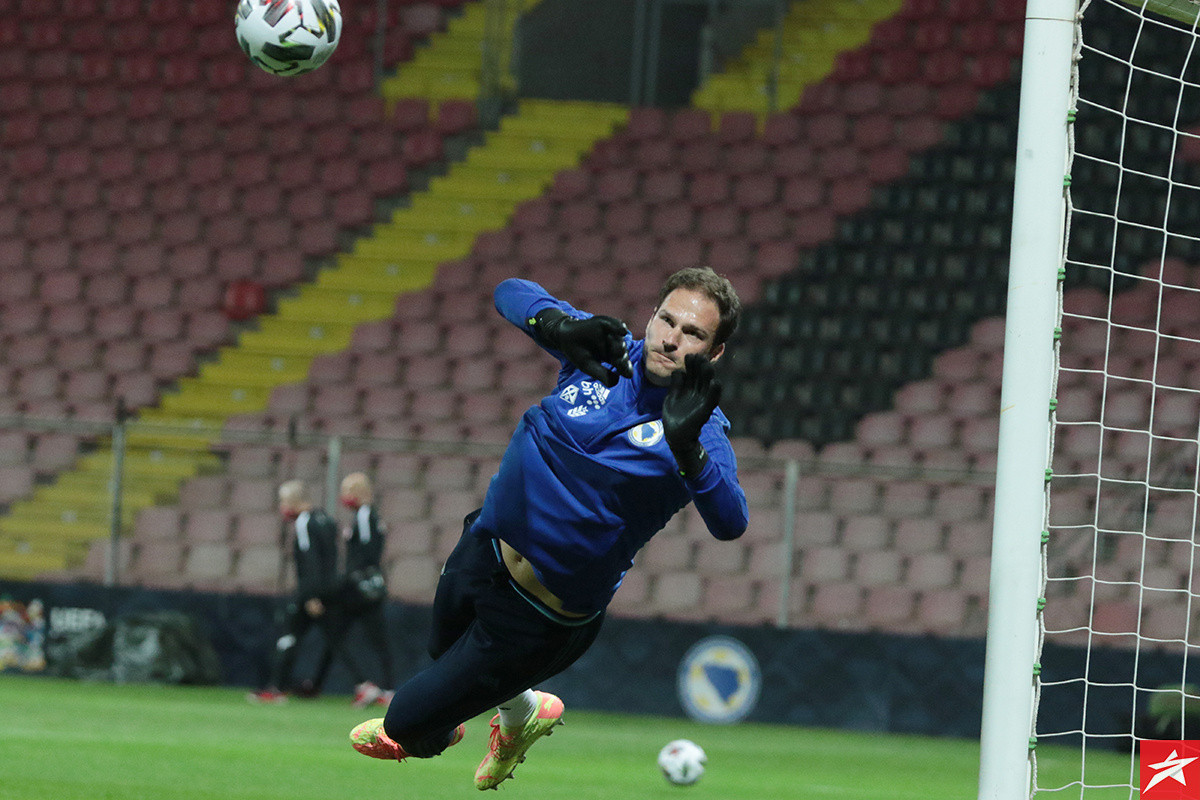 Asmir Begović se ne vraća u AC Milan