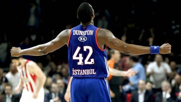 Bryant Dunston i Dolgus Balbay produžili ugovore s Anadolu Efesom