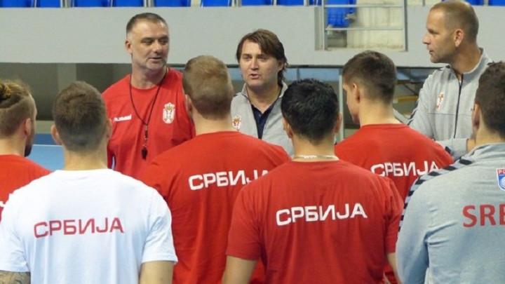 Srbija i Hrvatska na prvim iskušenjima, Červar pod pritiskom