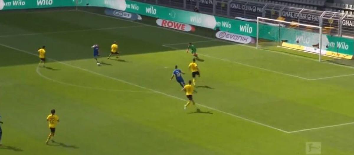 Čudo u Dortmundu: Kramarić zabio četiri gola Borussiji za 50 minuta!
